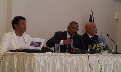 Minister President Neves met de minister van cultuur en directeur van Cabo Verde Investimentos